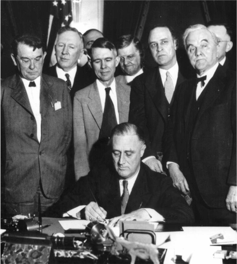 roosevelt_signing_tva_act_1933.jpg