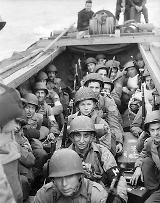 American_troops_on_board_a_landing_craft.jpg