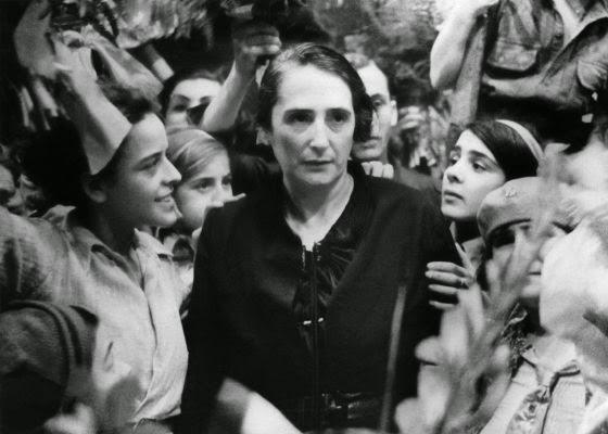 Dolores Ibárruri 1936.jpg