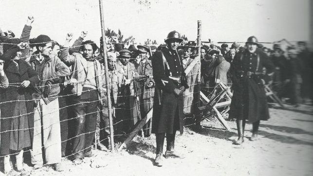 1 De Abril De 1939 Cautivo Y Desarmado El Ej 233 Rcito Rojo