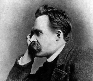 El filosófo alemán Friedrich Nietzsche suscitó algunos de los principales debates con respecto a los límites entre la genialidad y la locura.