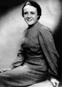 Juana_Capdevielle_San_Martín,_1905-1936