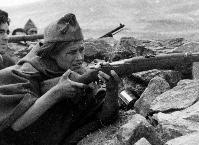 LA MILICIANA EN LA GUERRA CIVIL: DE HEROÍNA A PROSTITUTA (1936-1937)