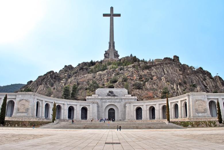 Valle_de_los_Caídos_(San_Lorenzo_de_El_Escorial)_02.jpg